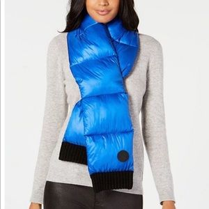 NWT DKNY Quilted Scarf